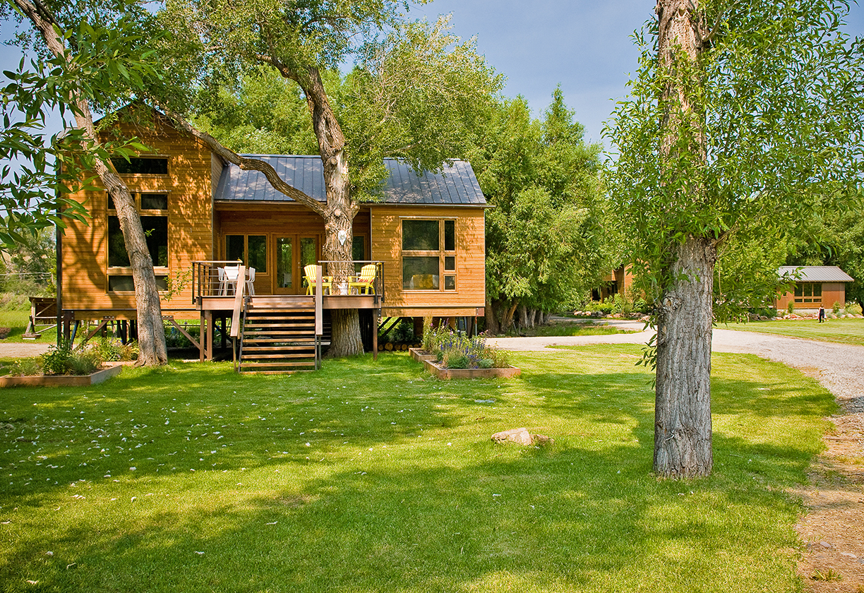 YellowstoneRiverCabin_04